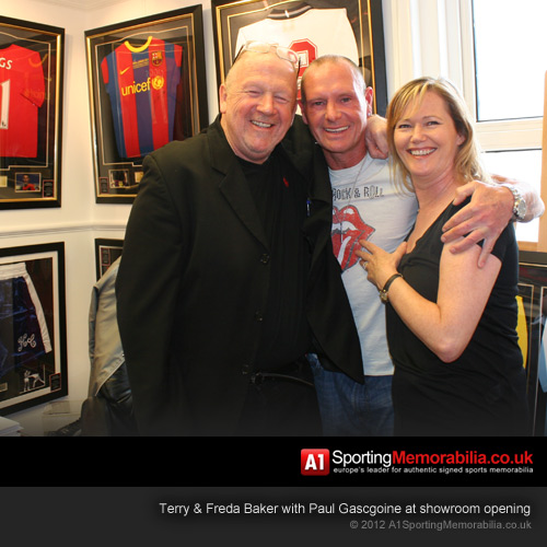 Paul Gascoigne opens memorabilia showroom for A1 Sporting Memorabilia