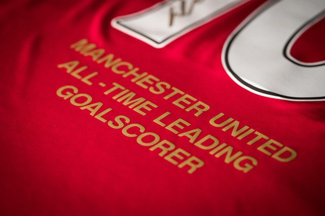 wayne-rooney-signed-manchester-united-shirt-signed-gold-all-time-record-goalscorer-3